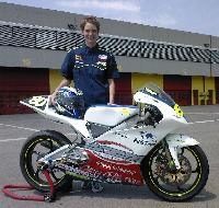 Phaedra Theffo con la moto del Bi Zeta Motor – P.R. Team